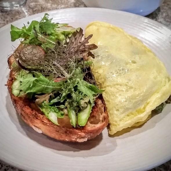 Spring Omelet @ Lula Cafe