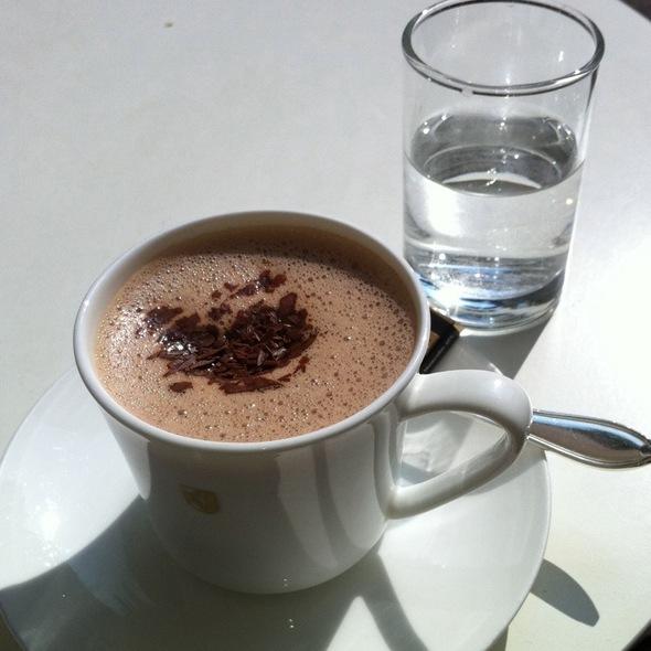 Hot Chocolate @ Sprüngli AG Café / Café- Bars