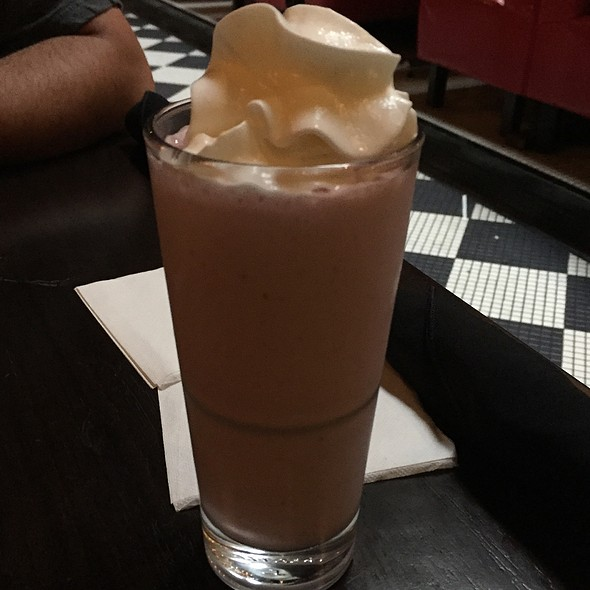 Milkshake @ Dave & Buster's Inc.