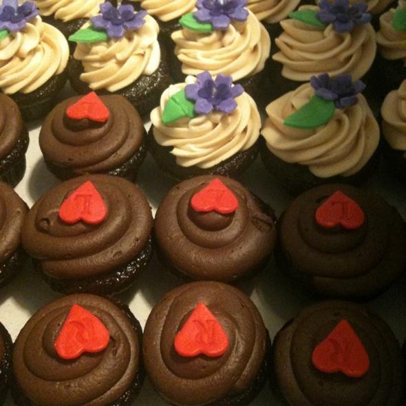 Cupcakes @ Cocoa Pod @ Cape Breton Farmers Market
