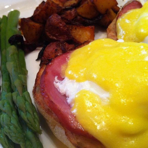 Eggs Benedict - City Table, Boston, MA