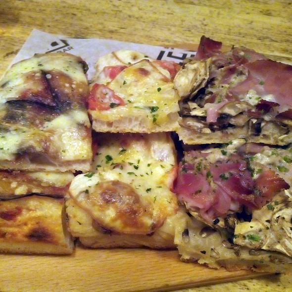 Pizza @ Pizza al taglio