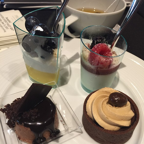 Blueberry Lemon Tart, Chocolate Soufflé, Chocolate Espresso Cake, And Berry Cheesecake @ Trump International Hotel & Tower Chicago