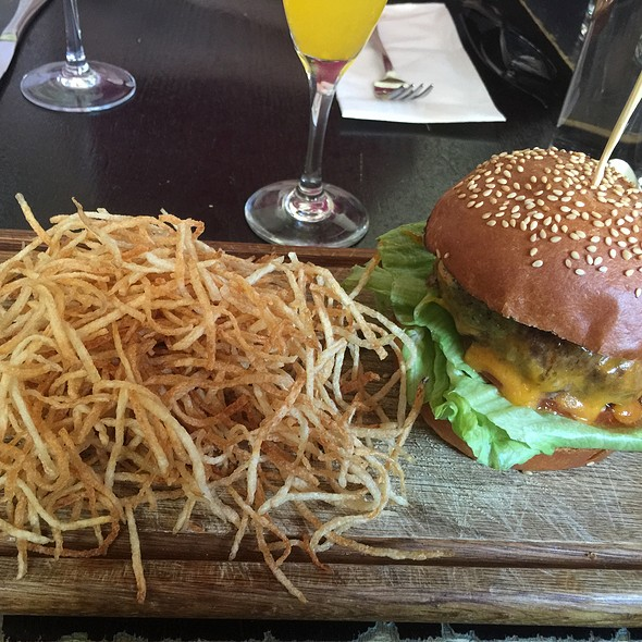 Green Chile Burger @ Yerba Buena