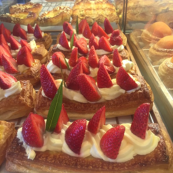 Strawberry Pastry @ Paris Baguette