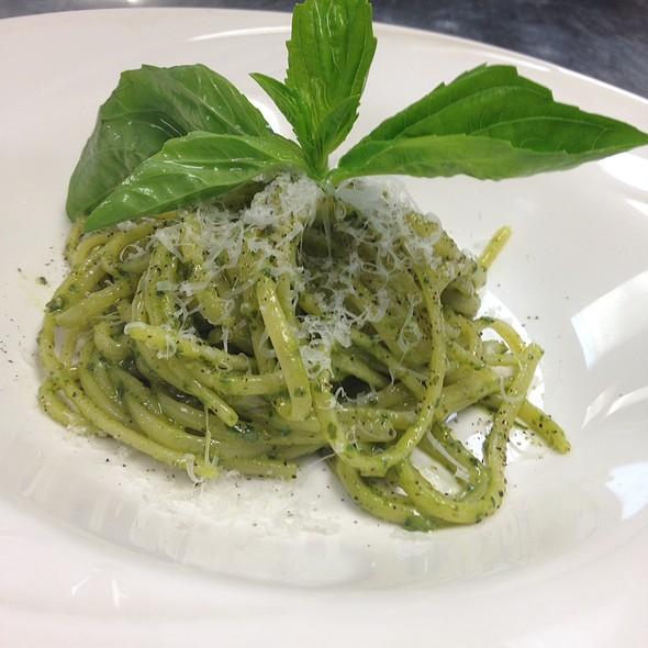 Linguine Pesto - La Cipollina, Freehold, NJ