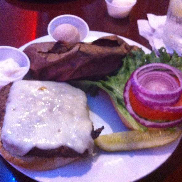 Roadhouse Burger @ Road House U S A