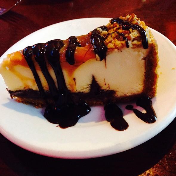 Turtle Cheesecake @ Road House U S A