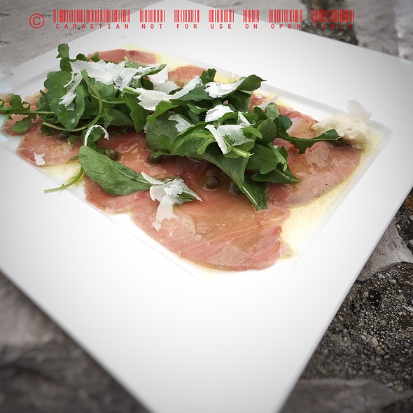 Tuna Carpaccio @ Restaurant Foša
