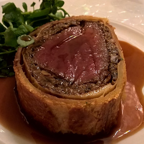 Beef Wellington @ The Savoy Grill