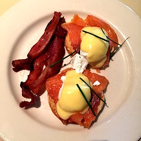 Eggs benedict with bacon and hollandaise - Lucky 32 Southern Kitchen - Greensboro, Greensboro, NC
