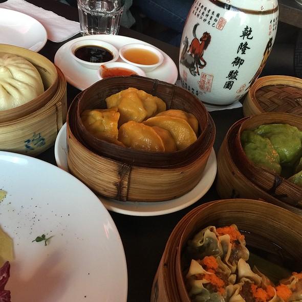 Dumplings @ Yumcha Heroes