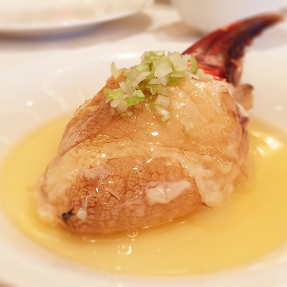 花雕蛋白篜蟹拑  | Steamed Crab Claw With Egg White @ Cuisine Cuisine 國金軒