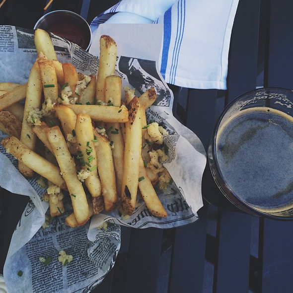 Truffle Fries And Beer