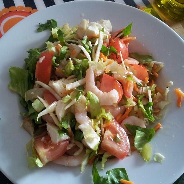 Shrimps And Mozzarella Cheese Salad