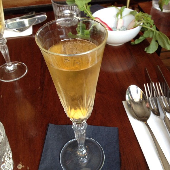 Champagne Cocktail @ St Pauls Apothek