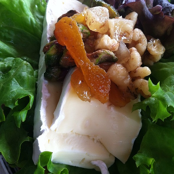 Brie And Chutney Open Sandwich