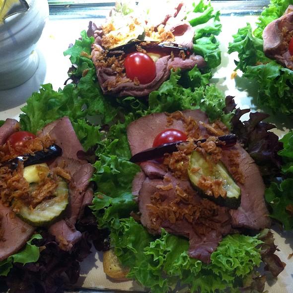 Roast Beef Open Sandwich