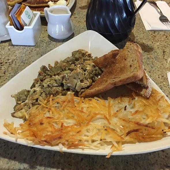 Artichoke Scramble @ Giant Artichoke Restaurant