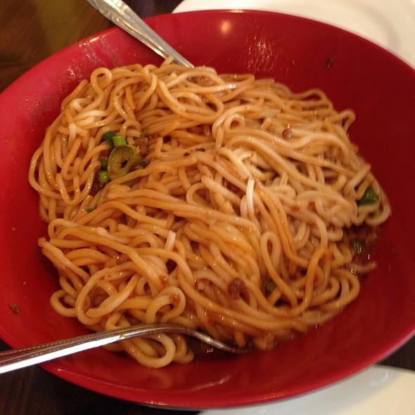 Dan Dan Noodles @ Han Dynasty