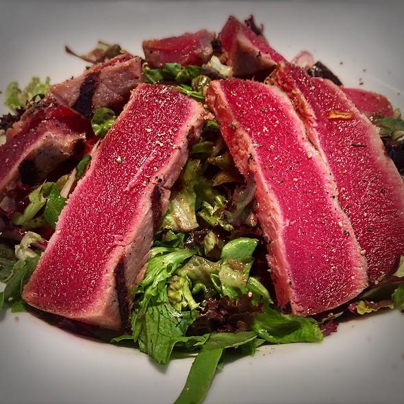 Caprese Salad And Seared Tuna - South Branch, Chicago, IL