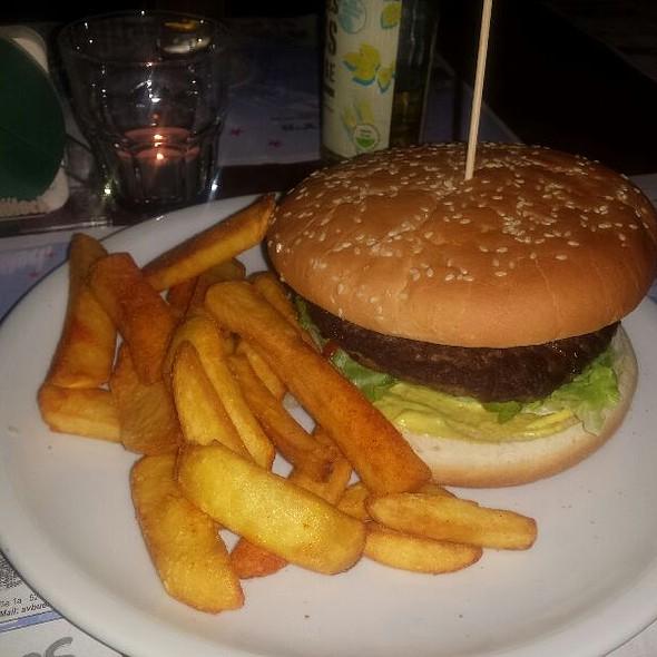 Junior Burgers @ Harry's American Bar
