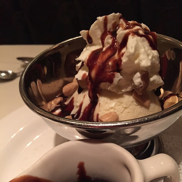 Cc Browns Hot Fudge Sundae @ Lawry's the Prime Rib
