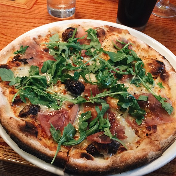 Prosciutto & Fig Pizza @ Matchbox Restaurant