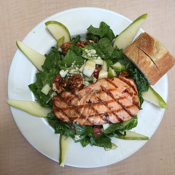 Pear Salad @ Lakeshore Cafe
