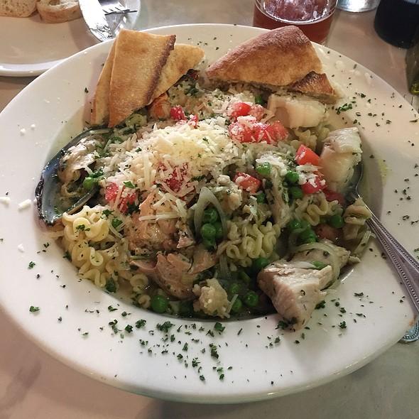 Pasta with Seafood @ Mangia Mangia
