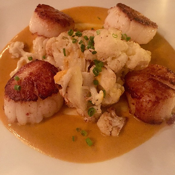 Seared Scallops Roasted Cauliflower & Salbutxada