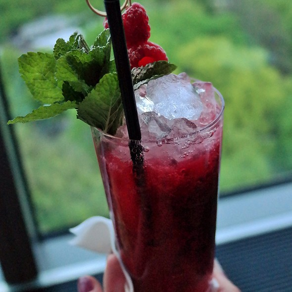 Red Berry Mint Cooler @ Monkey Bar