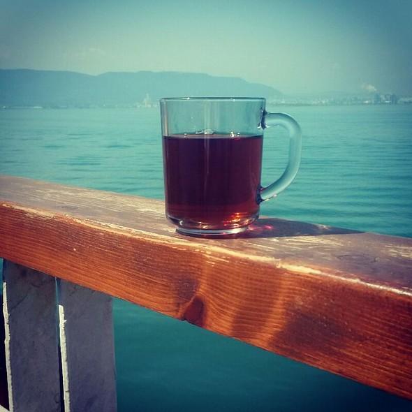 Tea @ Eskihisar Feribot İskelesi