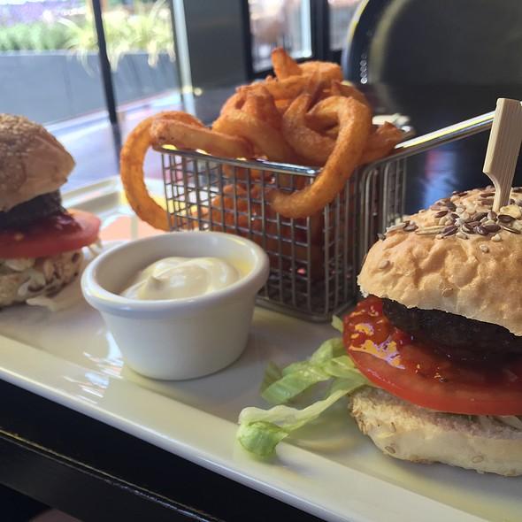 Hamburger @ Van Der Valk Hotel Duiven