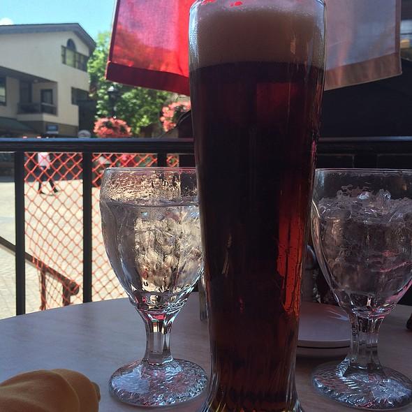Hacker-Pschorr Dunkles Bier - Pepi's Restaurant & Bar, Vail, CO