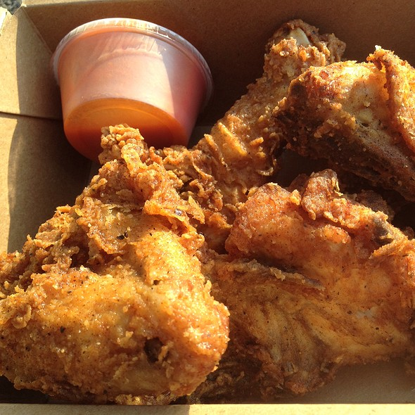 4Pc Fried Chicken With Hot Sauce @ Stockyards Ltd The