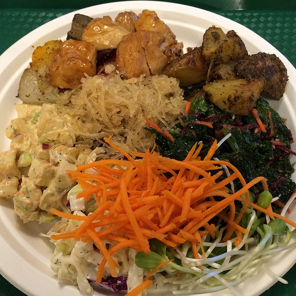Vegan Entree & Salads @ Down To Earth All VEGETARIAN Organic & Natural