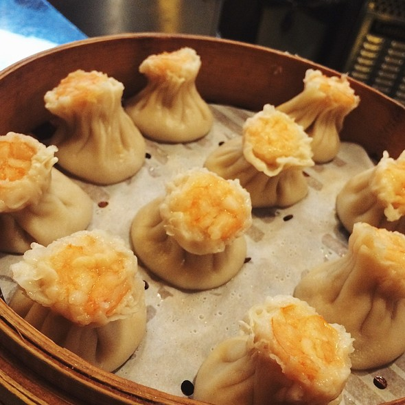 Shrimp And Pork Dumplings @ Din Tai Fung Dumpling House