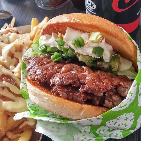 Cricket Burger @ Bun Meat Bun