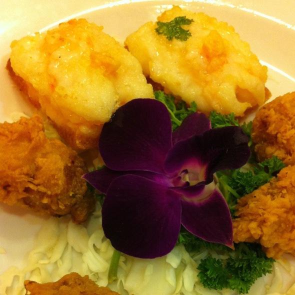 Deep Fried Handmade Prawn Roll & Prawn Toast @ Boon Tong Kee (balestier Road)