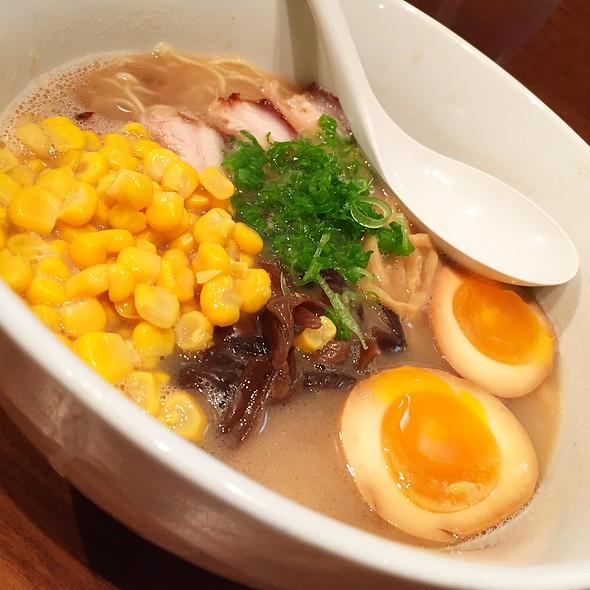 Tonkotsu Shoyu Ramen With Corn