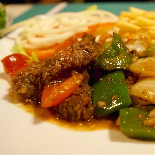 Bo Luc Lac Shaking Beef @ Ngoc Suong Marina Seafood Cuisine