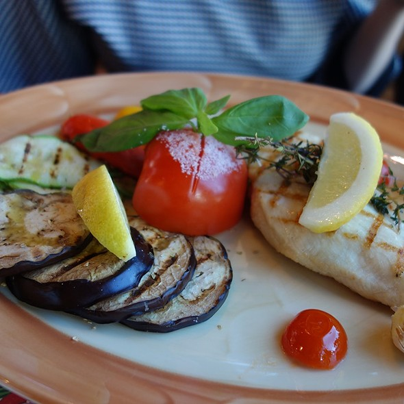 Chicken Breast Grilled With Vegetables @ Марчеллис