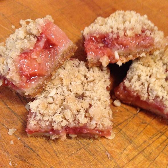 Strawberry Rhubarb Bars @ Comforts Of Home