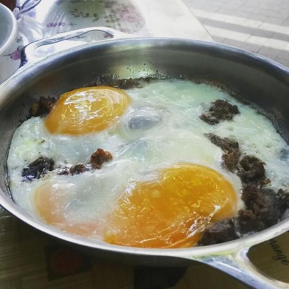 Kavurmalı Yumurta @ Süt Yumurta Reçel