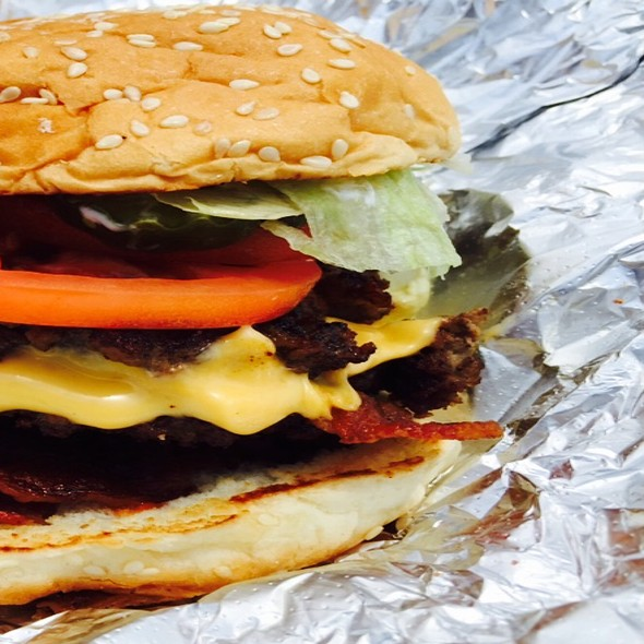 Bacon Cheese Burger @ Five guys