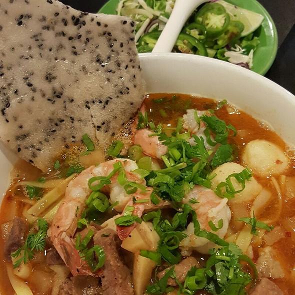 Bún Bò Huế (Spicy Beef Noodle Soup) at Tan Tan Cafe & Delicatessen