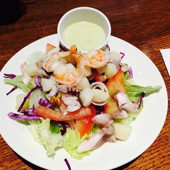 Seafood Garden Salad