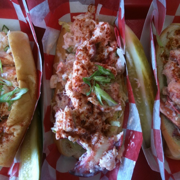 Lobster Roll (Sandwich) @ Red Hook Lobster Pound