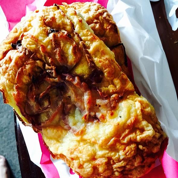 Cheese Onion Bread @ Bakkerij Victor Driessen